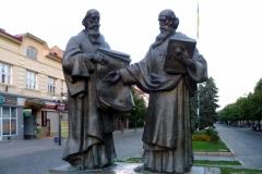 Mukachevo_Zakarpatska-monument_Saints_Cyril_and_Methodius-general_view_(1)